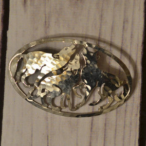 vintage wolf pack wolves pin brooch silver